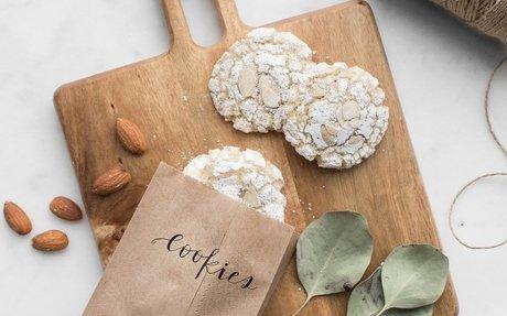 Crisp & Chewy Amaretti Cookies
