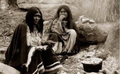Apache women (Food)