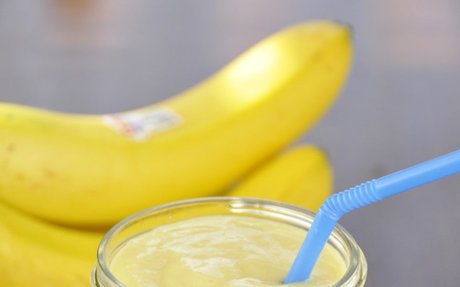 Banana-Mango Smoothie | Wishes and Dishes