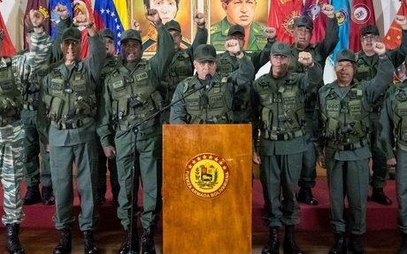 Nicolás Maduro intenta impedir «como sea» una posible conspiración militar.