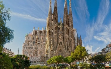 Barcelona, Spain Travel Guide - Must-See Attractions
