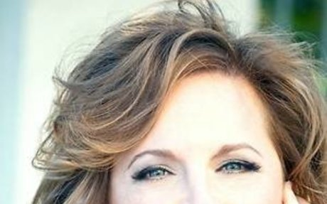 Karen Leleand Blogging as a Business Expertise