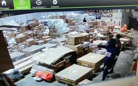 Bandidos da Maré roubaram R$ 6 milhões em celulares só na última semana