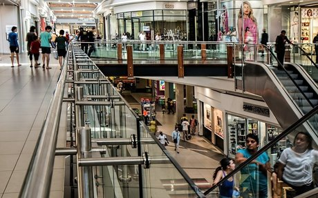 Staff Shortages Create Emergency Situation for Canadian Retailers