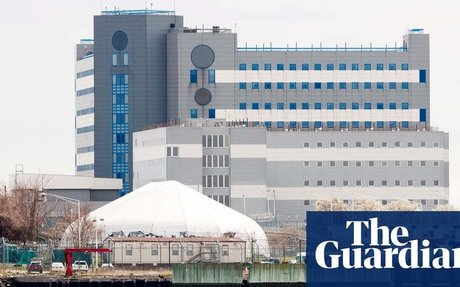 Coronavirus spread at Rikers is a 'public health disaster', says jail's top doctor