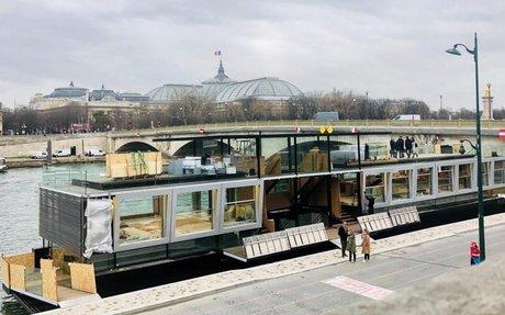 Bienvenue à bord de Fluctuart, le premier centre d'art urbain flottant