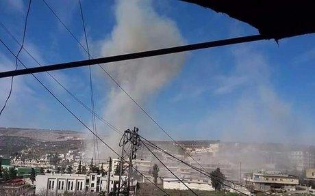النظام يتحضر لمعركة خان الشيح.. وأكثر من 34 برميلا متفجرا يستهدف البلدة.