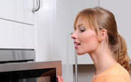 Микровълновата фурна - приятел или враг в кухнята