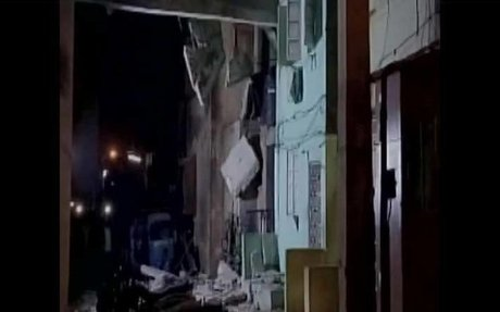 3 dead, almost twenty-one injured after building collapses in Surat, Gujarat