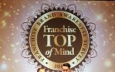 "Ray White Meraih Penghargaan ""Franchise Top of Mind 2017"" - Ray White Indonesia"