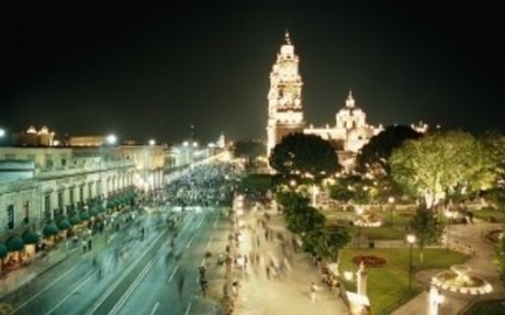 street-in-morelia-on-saturday-night - Michoacan Pictures - Michoacán - HISTORY.com