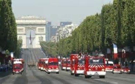 Les pompiers allument les feux de détresse