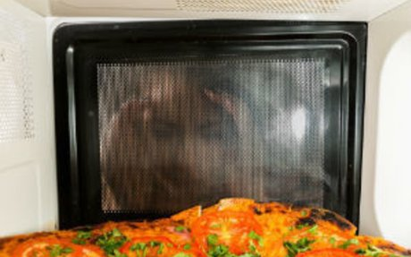 Why You Should Never Microwave Your Food