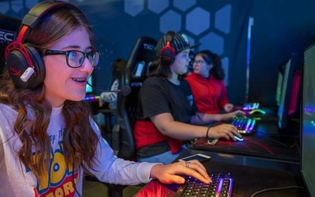 Field trip to Las Vegas esports arena opens eyes of middle school girls to future careers
