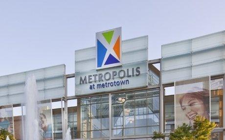 Metropolis at Metrotown Dominates in Securing First-to-Market Retailers