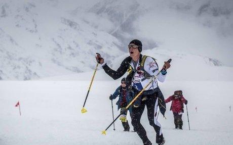 Ecuatoriano Karl Egloff gana la maratón en nieve en la montaña más alta de Europa | ANDES