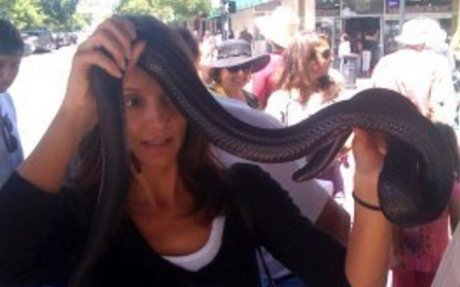 i want to wrap a snake around my neck.