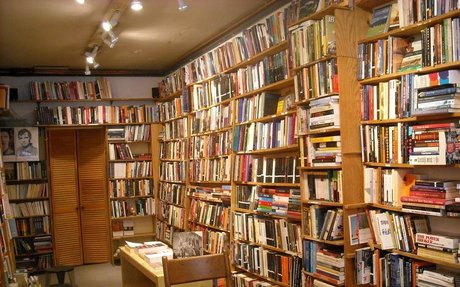The Real Reason Bookstores Are Becoming Extinct
