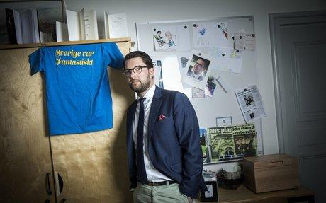Jimmie Åkesson vill införa plikt att anmäla en granne som gömmer papperslösa