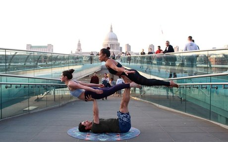 Gavin Manerowski | 5 Basic things you need to Know about Acroyoga
