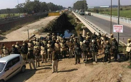Thousands stuck in traffic after police seals Haryana-Punjab border