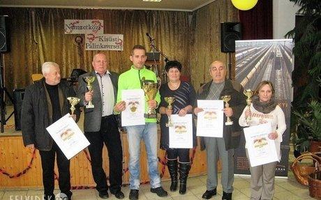 Nemzetközi Kisüsti Pálinkaverseny Nagytárkányban   Felvidék.ma