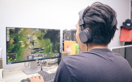 What Venture Investors Need to Know about Online Gaming Space