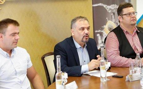 Vadcseresznye-pálinka nyerte el a Békés Megye Pálinkája címet   BEOL