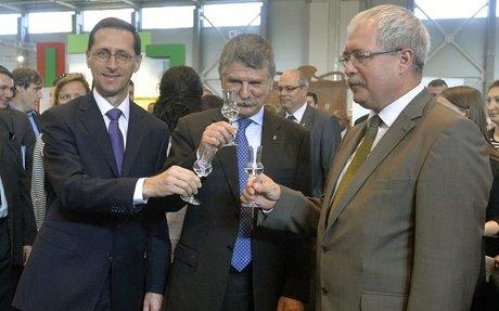 Fazekas Sándor lemondásra szólítja fel Piros Lászlót, a Magyar Pálinka Lovagrend nagymeste