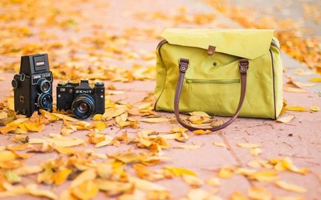 Camera Bags for Women: No Need to Multiply - Just Simplify!