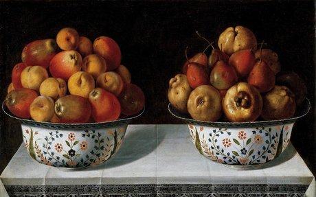 Dos fruteros sobre una mesa - Colección