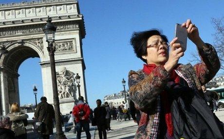 Comment la France compte atteindre 100 millions de touristes étrangers ?