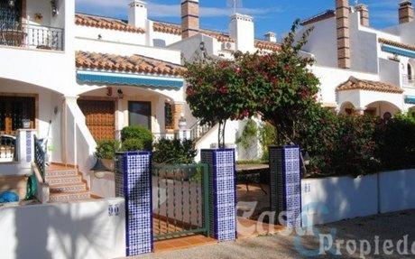 Villamartin –  Koselig  rekkehus med 3 soverom og 3 bad !!  »  Casa & Propiedad