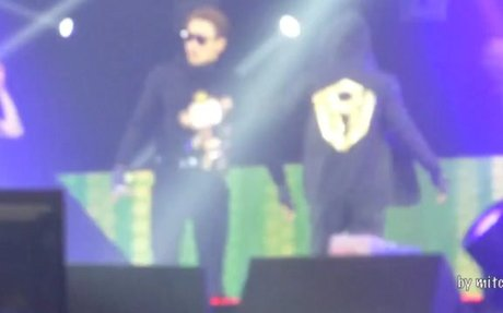 160130 RAIN - THE SQUALL in Hong Kong - Encore La Song+Pumps and a Bump [Fancam-66]