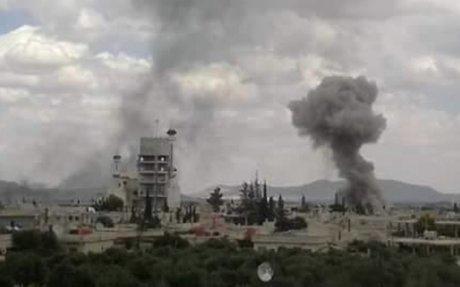 حالة فزع كبيرة بين المدنيين بعد استهداف مخيم خان الشيح ومحيطه بالصورايخ والبراميل المتفجرة