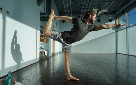 5 Essential Beginner Yoga Poses for Men