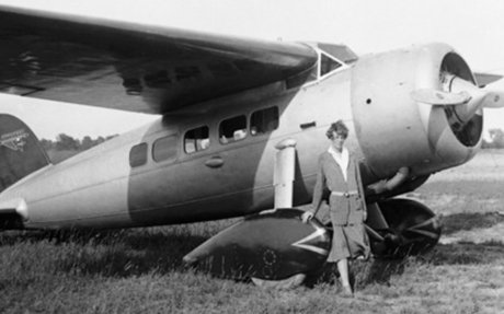 Amelia Earhart becomes first woman to fly solo 1932