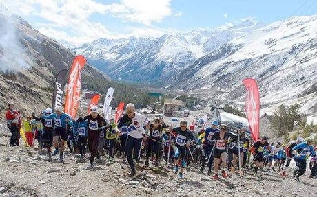 Karl Egloff manda en el ascenso al Monte Elbrus - Diario El Mercurio - Cuenca Ecuador