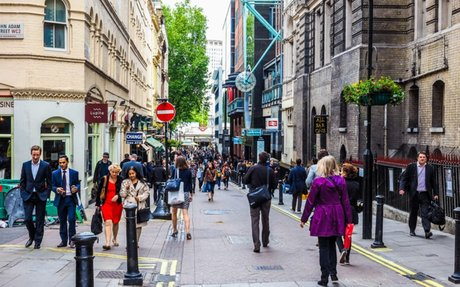 RETAIL // UK retail suffers worst November footfall decline in 9 years