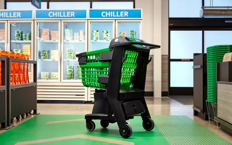 BRAND HIGHLIGHT // Amazon's Fresh Grocery Store Opens With High-Tech Shopping Carts
