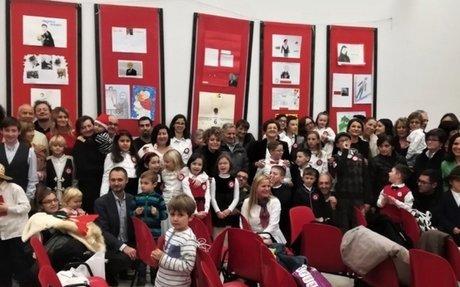 """""""Sławni Polacy"""" tematem wystawy w Maceracie: Szkoła Anders świętuje Boże Narodzenie"""