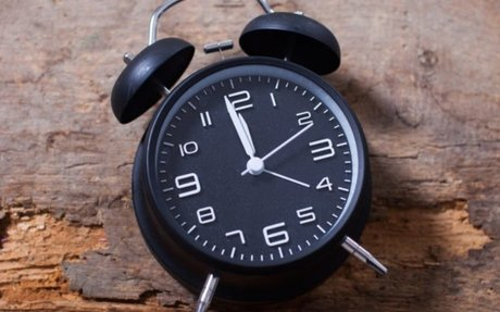 Schools Replacing Analog Clocks Because Students Can't Read Them