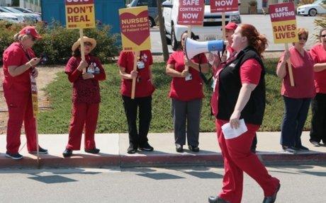 Le conseil d'administration d'un hôpital décide une médiation avec les infirmières en grèv