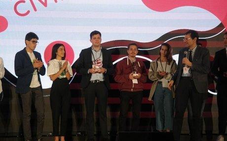 Al Festival dell'economia civile premiate startup recupero e turismo