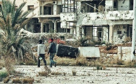 النظام يحول رغيف الخبز إلى فخ.. اعتقال 300 شخص في  الوعر  خلال شهر  اخبار سورية - زمان الو