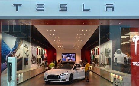 Tesla Puts the Brakes on Massive Store Closures