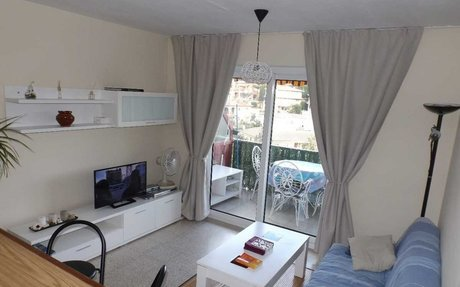 Apartamento con parking y piscina