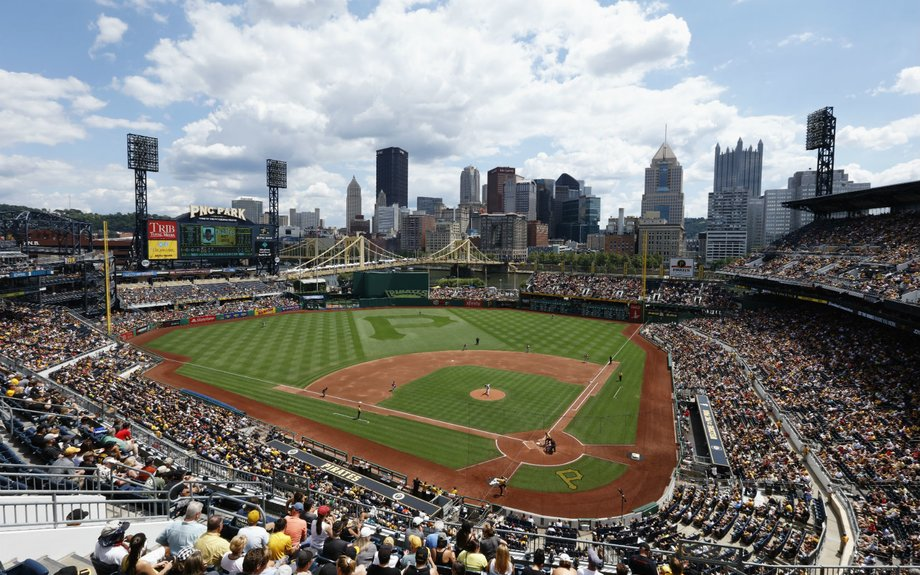 30 stadiums in 30 days: the ultimate baseball road trip.