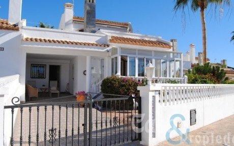 Koselig villa i Los Dolses – Villamartin  »  Casa & Propiedad