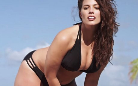 "Canadian Plus Size Fashion Blogger Presents; ""Ashley Graham be like…Plus Who's Size?!?!"""